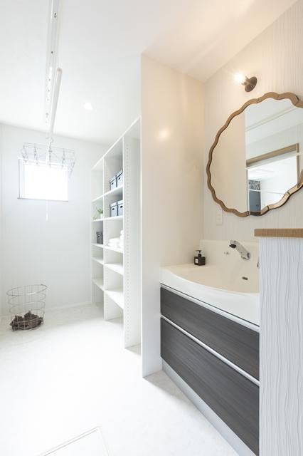 洗面脱衣室、ランドリースペース